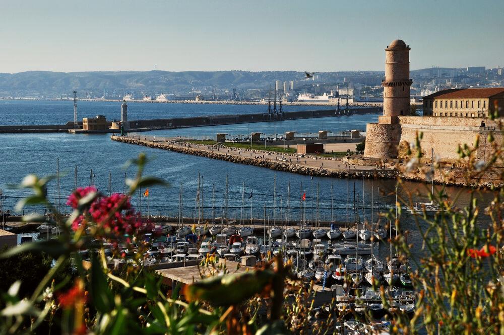 Файл:Марсель, Франция. Старый порт, форт св. Иоана и башня Рене I ...