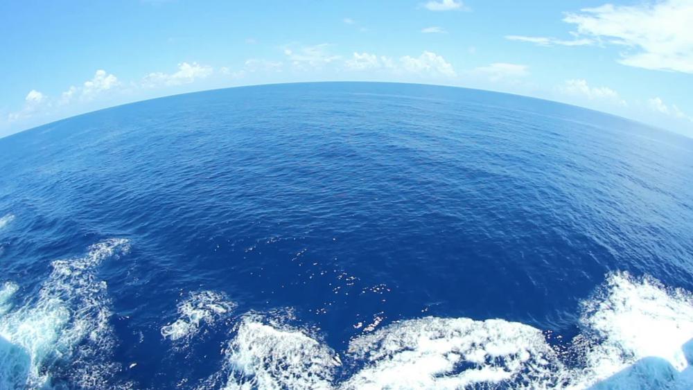 в каком океане находится марианская впадина