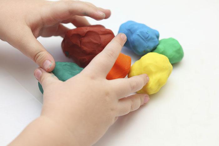дымковская игрушка из пластилина