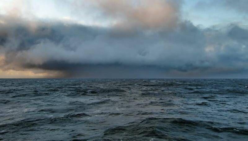 В море Лаптевых продолжаются поиски двух мужчин | News.Ykt.Ru ...