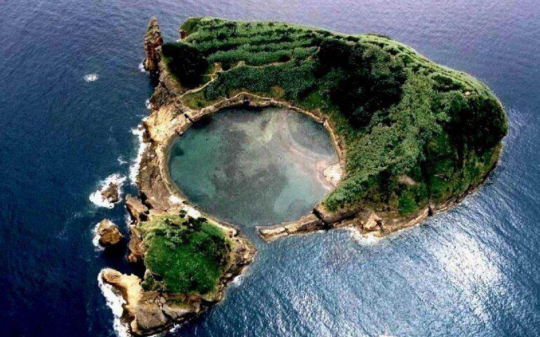 Остров Вила-Франка-ду-Кампу