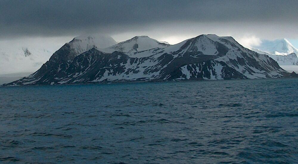 Livingston Island (Antarctica) cruise port schedule   CruiseMapper
