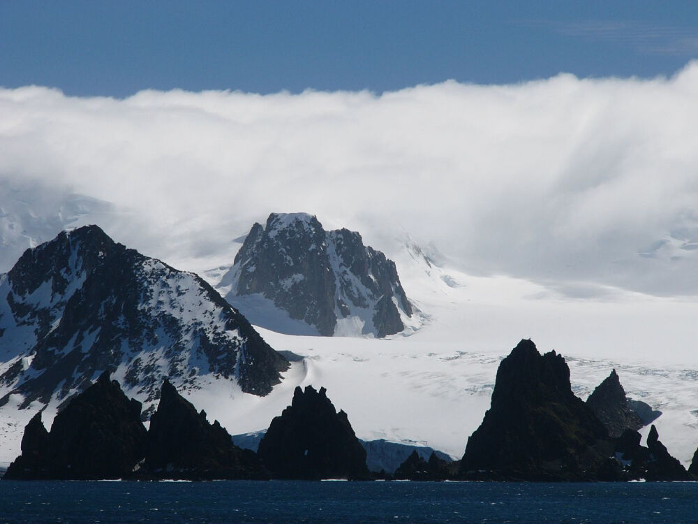 File:Greenwich Island Antarctica Dec06B.jpg - Wikimedia Commons