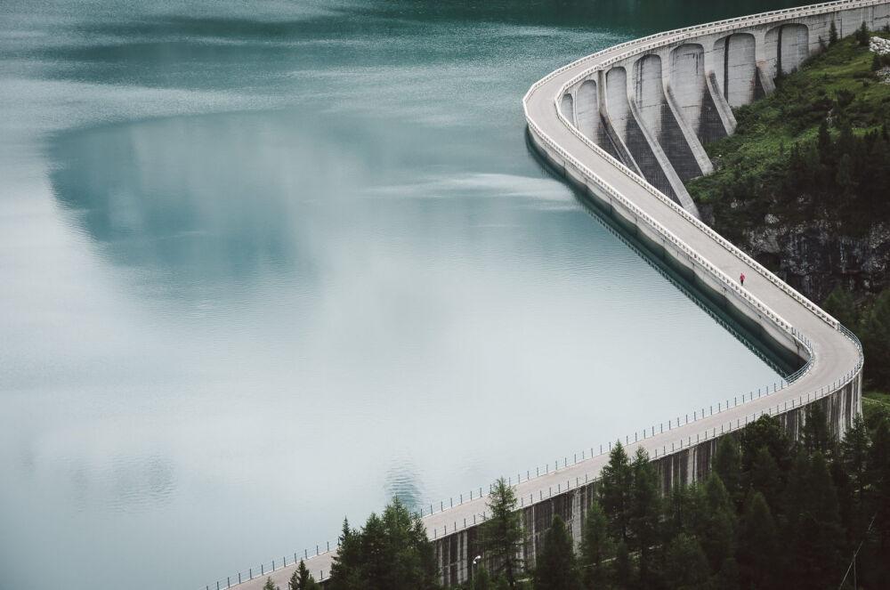 Фото недели: водохранилище у подножия ледника горы Мармолады