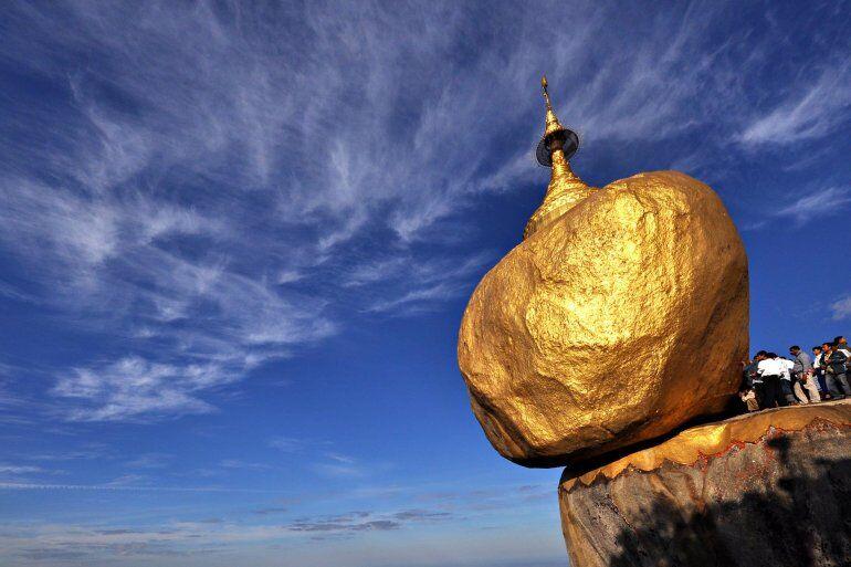 Золотой камень Будды в Мьянме: боится только женщин › Блог ...